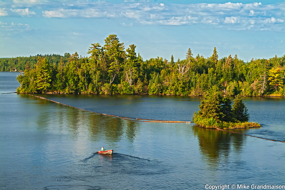 Boating on Lake of the Woods<br />