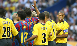 PARIS, FRANCE - WEDNESDAY, MAY 17th, 2006: Arsenal's captain Thierry Henry organises a defensive wall for a FC Barcelona's free-kick during the UEFA Champions League Final at the Stade de France. (Pic by David Rawcliffe/Propaganda)