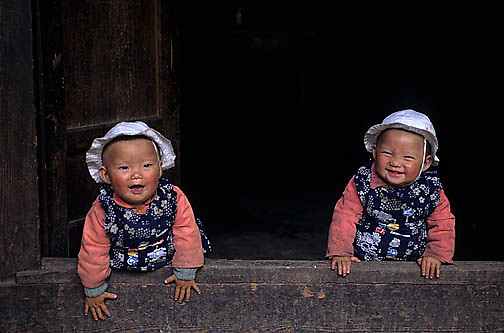 China, People, Tibetan farmers, Twin Children. Sichuan, China.