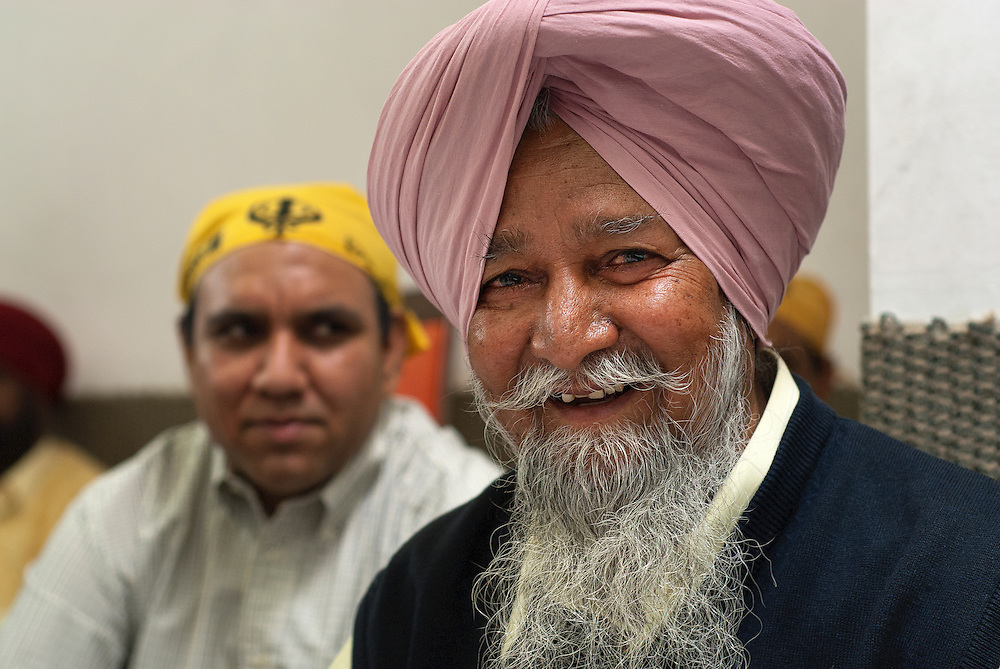 The turban is worn in different ways and in all colors. It is compulsory to cover their heads when entering a Gurdwara.