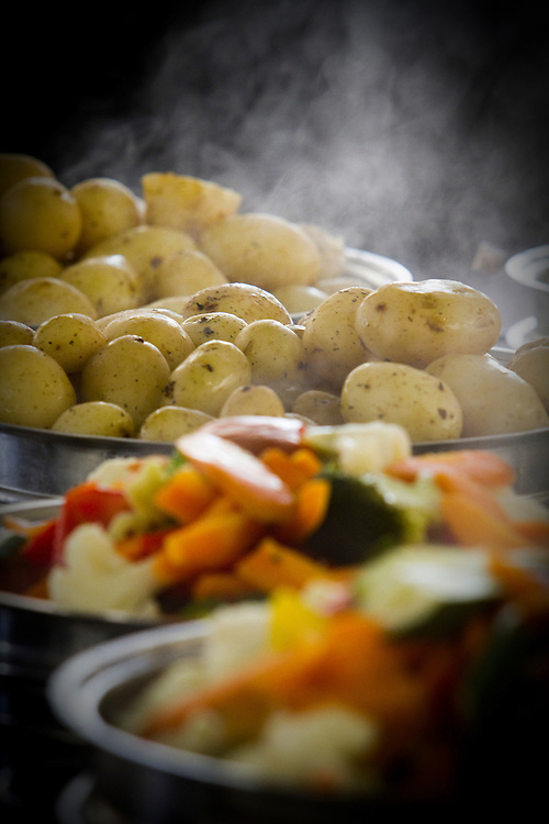 Steaming food, Hawkes Bay, New Zealand, Thursday, March 08, 2012.  Credit: SNPA / Bethelle McFedries