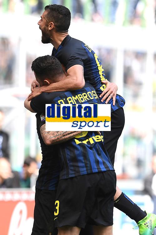 esultanza gol Mauro Icardi goal celebration con Antonio Candreva<br /> Milano 15-04-2017, Stadio Giuseppe Meazza, Football Calcio 2016/2017 Serie A, Inter - Milan, Foto Image Sport/Insidefoto