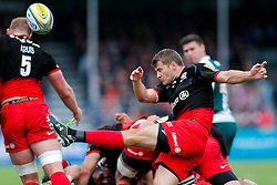 Saracens Scrum-Half Richard Wigglesworth clears - Mandatory byline: Rogan Thomson/JMP - 21/05/2016 - RUGBY UNION - Allianz Park - London, England - Saracens v leicester Tigers - Aviva Premiership Semi Final.