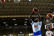 moore<br /> pregame<br /> Germani Basket Brescia - Openjobmetis Varese<br /> Legabasket Serie A 2017/18  gara 1<br /> Verona, 12/05/2018<br /> Foto G.Checchi / Ciamillo-Castoria