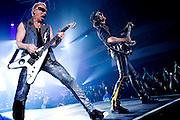 Frankfurt am Main | 12.05.2010..Die Deutsche Rock-Band Scorpions live in der Festhalle in Frankfurt bei ihrer Farewell-Tour, hier: Gitarrist Rudolf Schenker (l) und Gitarrist Matthais Jabs (r)...Foto: peter-juelich.com..[No Model Release | No Property Release]