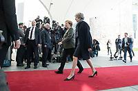 09 APR 2019, BERLIN/GERMANY:<br /> Angela Merkel (L), CDU, Budneskanzlerin, und Theresa May (R), Premierministerin Vereinigtes Koenigreich, vor einem gemeinsamen Gespraech, auf dem Weg ins Bundeskanzleramt<br /> IMAGE: 20190409-01-024