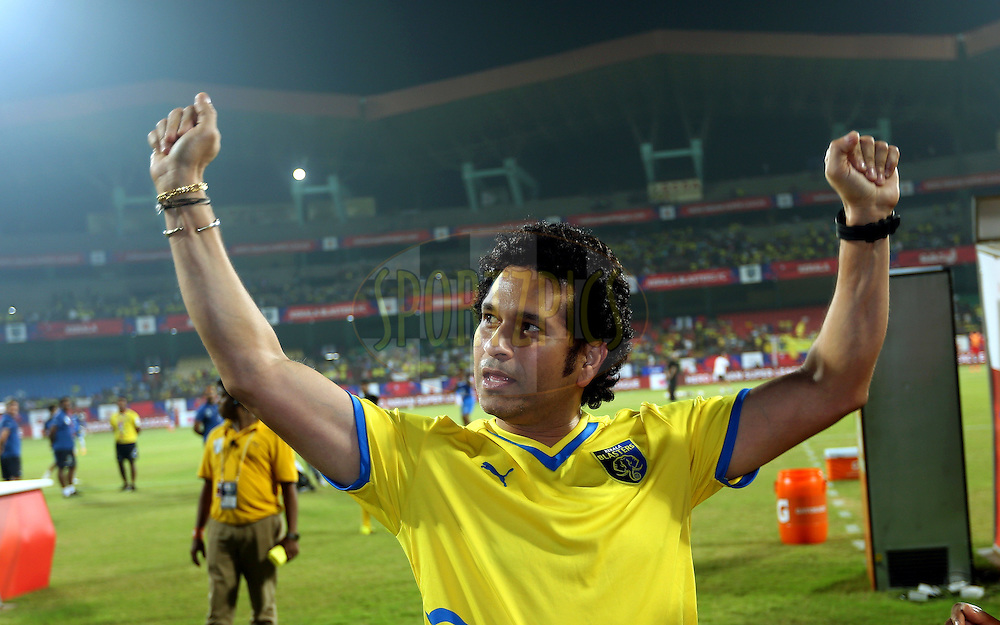 Sachin Tendulkar, Former India cricket player and co-owner of  Kerala Blasters FC during match 49 of the Hero Indian Super League between Kerala Blasters FC and North East United FC held at the Jawaharlal Nehru Stadium, Kochi, India on the 4th December 2014.<br /> <br /> Photo by:  Sandeep Shetty/ ISL/ SPORTZPICS
