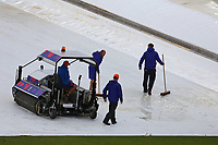 Cricket - 2019 ICC Cricket World Cup - Group Stage: South Africa vs. West Indies<br /> <br /> The ground staff start to try and clear the surface water from the covers at the Hampshire Bowl, Southampton.<br /> <br /> COLORSPORT/SHAUN BOGGUST
