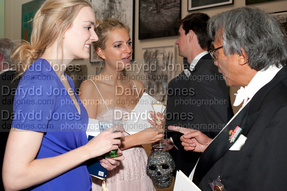 MARIA ALLEN; ANNA RAKIC; SIR DAVID TANG, Royal Academy of Arts Annual dinner. Royal Academy. Piccadilly. London. 1 June <br /> <br />  , -DO NOT ARCHIVE-© Copyright Photograph by Dafydd Jones. 248 Clapham Rd. London SW9 0PZ. Tel 0207 820 0771. www.dafjones.com.
