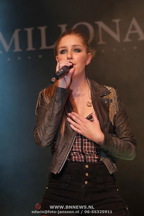 NLD/Amsterdam/20101209 - VIP avond Miljonairfair 2010, optreden van Esmee Denters