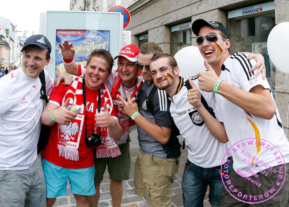 KLAGENFURT 07/06/2008.EURO 2008.GERMAN AND POLISH FANS CHEER IN THE CENTER OF KLAGENFURT ..FOT. PIOTR HAWALEJ / WROFOTO