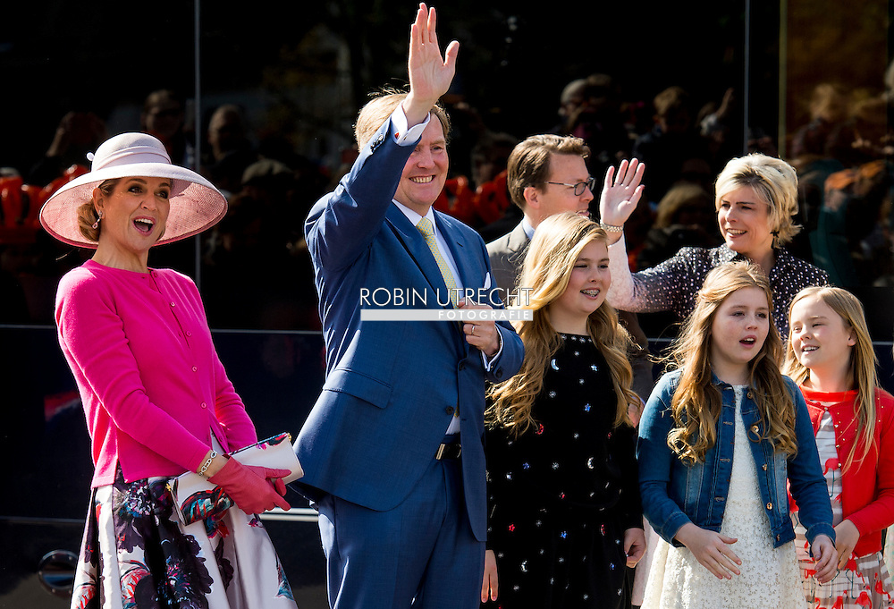 27-4-2016 ZWOLLE - Kingday in Zwolle , King Willem-Alexander, Queen Maxima, Princess Amalia, Princess Alexia and Princess Ariane is April 27, 2016 attended the celebration of King's Day in the town of Zwolle, in the province of Overijssel. Prince Constantijn and Princess Laurentien, Prince Maurits and Princess Maril&egrave;ne, Prince Bernhard and Princess Annette, Prince Pieter-Christiaan and Princess Anita and Prince Floris and Princess Aim&eacute;e are also provided at Kingday in Zwolle. COPYRIGHT ROBIN UTRECHT/MARCO DE SWART<br /> 27-4-2016 ZWOLLE - Koningsdag in Zwolle Koning Willem-Alexander, Koningin Maxima, Prinses Amalia , Prinses Ariane en prinses Alexia zijn 27 april 2016 aanwezig bij de viering van Koningsdag in de gemeente Zwolle, in de provincie Overijssel. Prins Constantijn en Prinses Laurentien, Prins Maurits en Prinses Maril&egrave;ne, Prins Bernhard en Prinses Annette, Prins Pieter-Christiaan en Prinses Anita &eacute;n Prins Floris en Prinses Aim&eacute;e zijn ook aanwezig bij Koningsdag in Zwolle. COPYRIGHT ROBIN UTRECHT