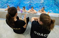 Coaches/Entra&icirc;neures: Kristina Anagnosti, Sara Ogilvie<br /> Photo: Andre Forget (CAC/ACE)