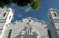 Iglesia San Juan Bautista de Penonom&eacute;,Cocl&eacute;-Panam&aacute;<br /> Fue construida en la segunda mitad del siglo XVI y la primera misa se celebro de 1581.Se reconstruyo en 1948 no sufrieron cambios ni las paredes ni la torre. La patrona de esta iglesia el La Inmaculada Concepcion de Maria.