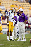 Baton Rouge, LA - SEPTEMBER 30:  Ryan Perrilloux #11 and Head Coach Les Miles of the LSU Tigers against the Mississippi State Bulldogs at Tiger Stadium on September 30, 2006 in Baton Rouge, Louisiana.  The Tigers defeated the Bulldogs 48 - 17.  (Photo by Wesley Hitt/Getty Images) *** Local Caption *** Les Miles; Ryan Perrilloux