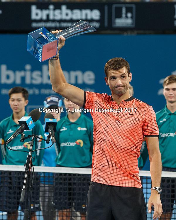 Sieger GRIGOR DIMITROV (BUL) mit dem Pokal, Siegerehrung, Praesentation<br /> <br /> Tennis - Brisbane International  2017 - ATP -  Pat Rafter Arena - Brisbane - QLD - Australia  - 8 January 2017. <br /> &copy; Juergen Hasenkopf