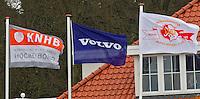 AERDENHOUT - 09-04-2012 - De vallen van KNHB, VOLVO en Rood-Wit, maandag tijdens de finale tussen Nederland Jongens B en Spanje Jongens B  (3-1) , tijdens het Volvo 4-Nations Tournament op de velden van Rood-Wit in Aerdenhout. Jongens U16 wordt kampioen.FOTO KOEN SUYK