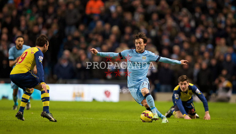 MANCHESTER, ENGLAND - Sunday, January 18, 2015: Manchester City's David Silva in action against Arsenal during the Premier League match at the City of Manchester Stadium. (Pic by David Rawcliffe/Propaganda)