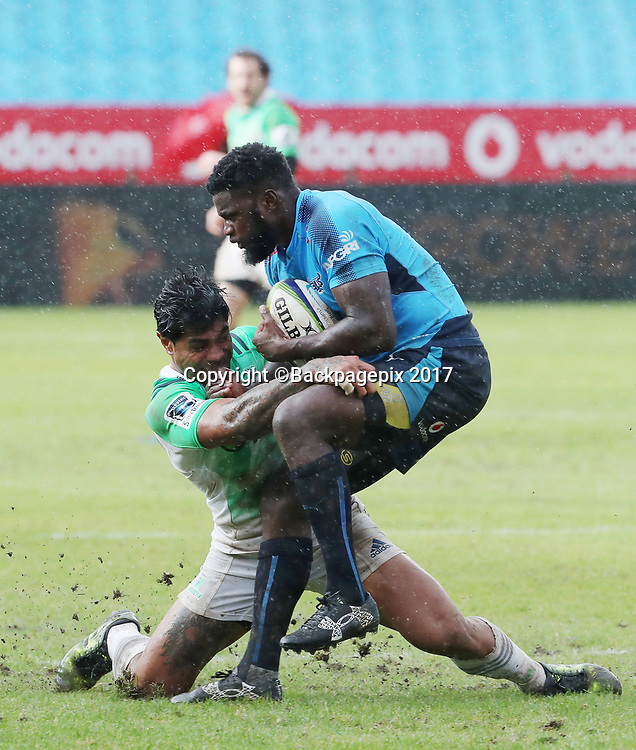 Jamba Ulengo of the Bulls held up in tackle by Malakai Fekitoa of the Highlanders  during the 2017 Super Rugby match between the Bulls and Highlanders at Loftus Stadium, Pretoria on 13 May 2017 ©Gavin Barker/BackpagePix / www.photosport.nz