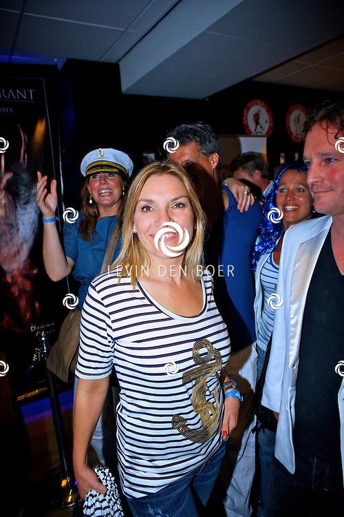 AMSTERDAM - Na het grote Toppers concert mochten de VIPS over de rode loper naar het VIP feest.  Met op de foto Gallyon van Vessem. FOTO LEVIN DEN BOER - PERSFOTO.NU
