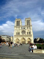 FRANCE PARIS 27JUL07 - Cathedral of Nortre Dame on the Ile de la Cite in the centre of Paris.. . jre/Photo by Jiri Rezac. . © Jiri Rezac 2007. . Contact: +44 (0) 7050 110 417. Mobile:  +44 (0) 7801 337 683. Office:  +44 (0) 20 8968 9635. . Email:   jiri@jirirezac.com. Web:    www.jirirezac.com. . © All images Jiri Rezac 2007 - All rights reserved.