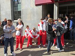 18.04.2015, Hotel Drei Mohren, Augsburg, GER, 1. FBL, FC Augsburg vs VfB Stuttgart, 29. Runde, im Bild Feueralarm im Mannschaftshotel von VfB Stuttgart, die Spieler muessen das Hotel Drei Mohren verlassen // during the German Bundesliga 29th round match between FC Augsburg and VfB Stuttgart at the Hotel Drei Mohren in Augsburg, Germany on 2015/04/18. EXPA Pictures © 2015, PhotoCredit: EXPA/ Eibner-Pressefoto/ Kolbert<br /> <br /> *****ATTENTION - OUT of GER*****