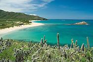 Playa Caribe. Una de las playas más populares  de la Isla de Margarita, está cerca del poblado de Juan Griego. 2005. (Ramón Lepage / Orinoquiaphoto)  Beach Caribe. One of the most popular beaches of Margarita's Island, is near Juan Griego's town. 2005. (Ramon Lepage / Orinoquiaphoto)