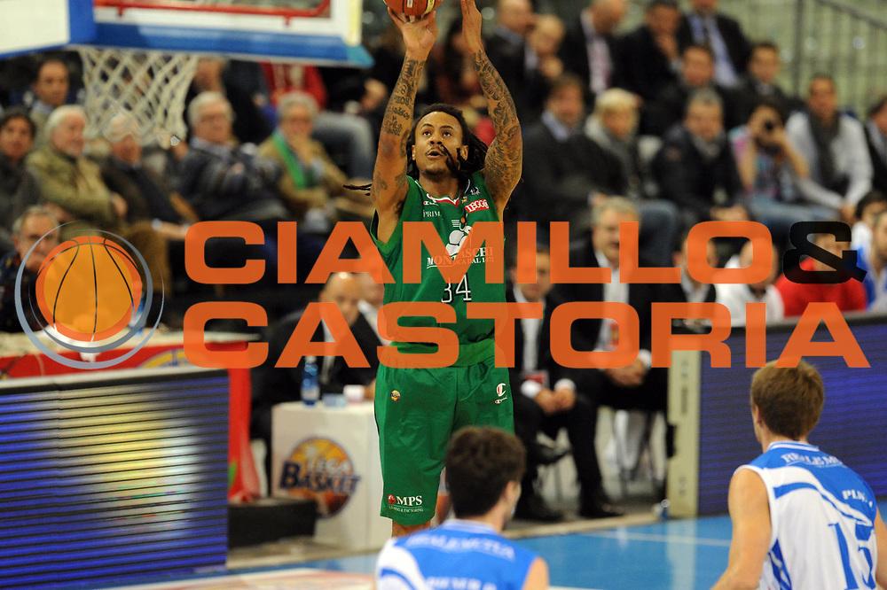 DESCRIZIONE : Torino Coppa Italia Final Eight 2012 Quarto di Finale Montepaschi Siena Banco di Sardegna Sassari<br /> GIOCATORE : David Moss<br /> SQUADRA : Montepaschi Siena<br /> EVENTO : Suisse Gas Basket Coppa Italia Final Eight 2012<br /> GARA : Montepaschi Siena Banco di Sardegna Sassari<br /> DATA : 16/02/2012<br /> CATEGORIA : tiro<br /> SPORT : Pallacanestro<br /> AUTORE : Agenzia Ciamillo-Castoria/GiulioCiamillo<br /> Galleria : Final Eight Coppa Italia 2012<br /> Fotonotizia : Torino Coppa Italia Final Eight 2012 Quarto di Finale Montepaschi Siena Banco di Sardegna Sassari<br /> Predefinita :