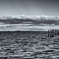 lighthouse &amp; Piings<br />