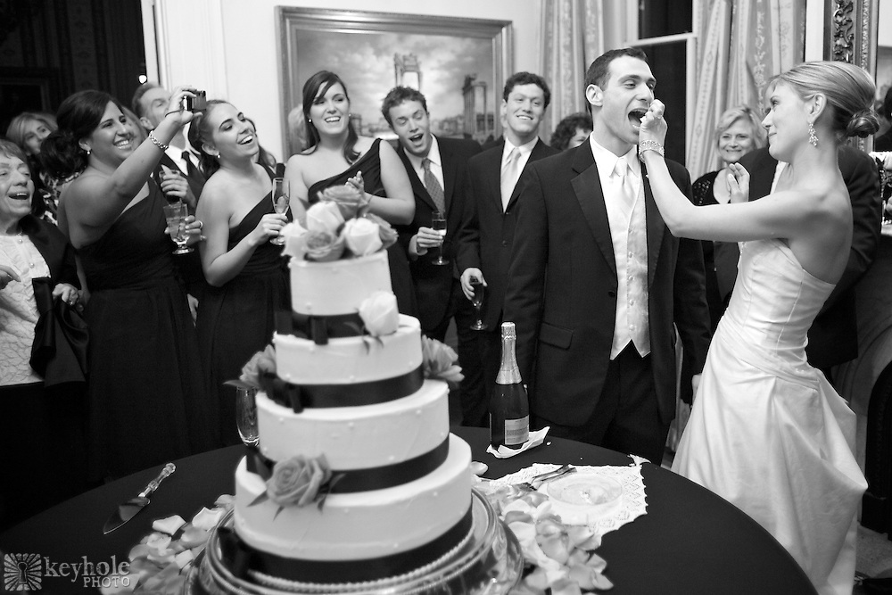 Mobile, Alabama, wedding photographer: Jennifer and Noah celebrate their wedding day with family and friends at the Ezell House in Mobile, Ala., Saturday, April 10, 2010.
