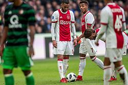 21-01-2018 NED: AFC Ajax - Feyenoord, Amsterdam<br /> Ajax was met 2-0 te sterk voor Feyenoord / Hakim Ziyech #10 of AFC Ajax, David Neres #7 of AFC Ajax