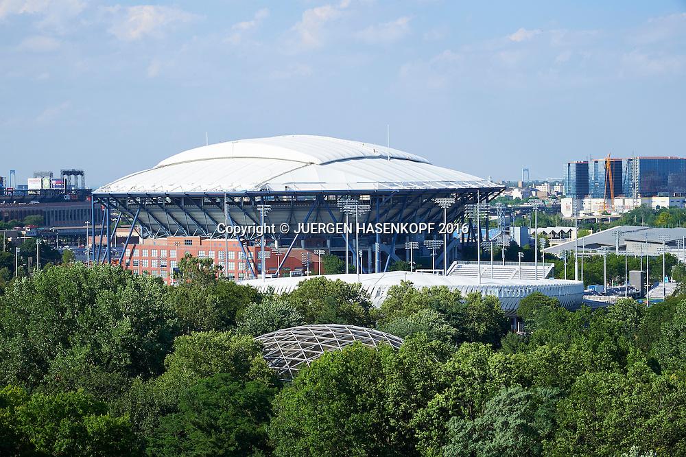 Arthur Ashe Stadium mit Dach<br /> <br /> Tennis - US Open 2016 - Grand Slam ITF / ATP / WTA -  USTA Billie Jean King National Tennis Center  - New York - New York - USA  - 6 July 2016.