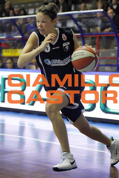 DESCRIZIONE : Cinisello Balsamo Lega A1 Femminile 2010-11 Opening day GMA Pozzuoli Officine Digitali Faenza<br /> GIOCATORE : Anne Breitreiner<br /> SQUADRA : Officine Digitali Faenza<br /> EVENTO : Campionato Lega A1 Femminile 2010-2011<br /> GARA : Job Gate Napoli Lavezzini Parma<br /> DATA : 23/10/2010<br /> CATEGORIA : <br /> SPORT : Pallacanestro<br /> AUTORE : Agenzia Ciamillo-Castoria/ElioCastoria<br /> Galleria : Lega Basket Femminile 2010-2011<br /> Fotonotizia : Cinisello Balsamo Lega A1 Femminile 2010-11 Opening day GMA Pozzuoli Officine Digitali Faenza<br /> Predefinita :