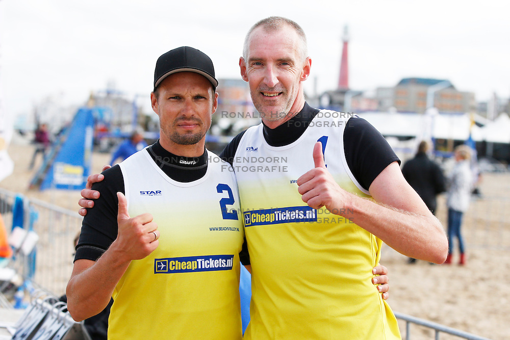 20140816 NED: NK Beachvolleybal 2014, Scheveningen<br /> Richard de Kogel, Richard Schuil<br /> &copy;2014-FotoHoogendoorn.nl / Pim Waslander