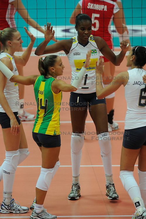 26-08-2010 VOLLEYBAL: WGP FINAL POLAND - BRAZIL: BEILUN NINGBO<br /> Brazil beat Poland 3-1 / Josefa Fabiola de Souza, Fabiana Claudino and Marianne Steinbrecher<br /> &copy;2010-WWW.FOTOHOOGENDOORN.NL