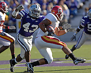 Kansas State linebacker Antwon Moore (43) pressures Iowa State running back Jason Scales (6) in the first half at Bill Snyder Family Stadium in Manhattan, Kansas, October 28, 2006.  The Wildcats beat the Cyclones 31-10.<br />