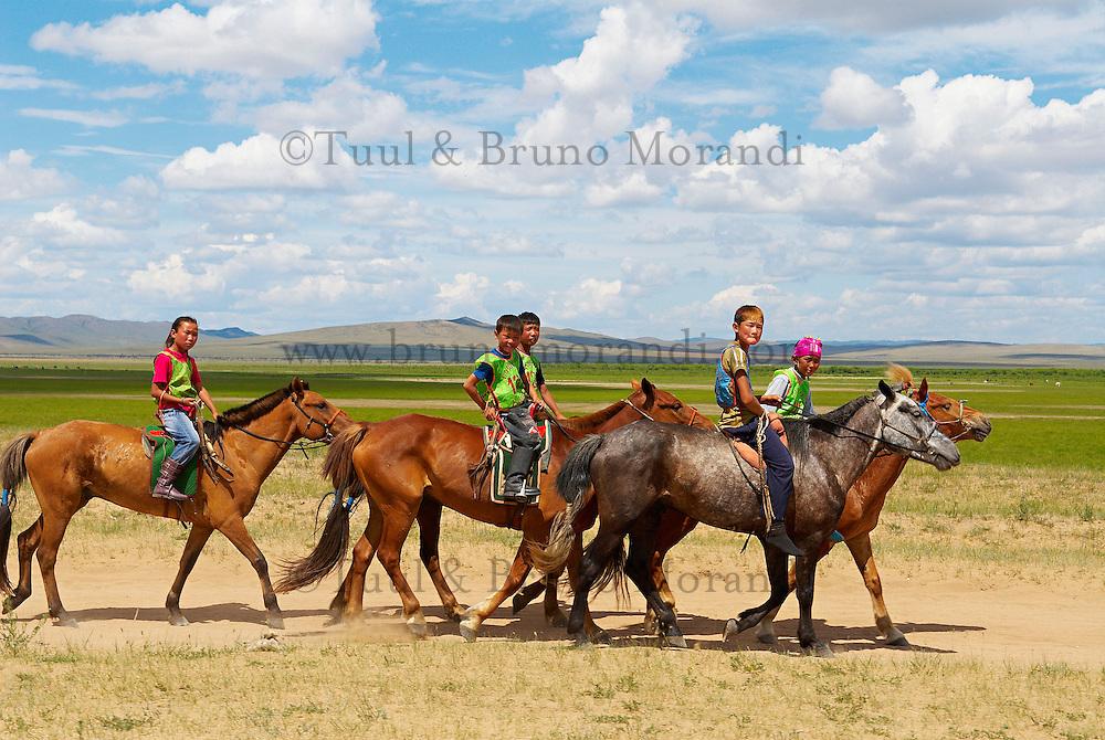 Mongolie. Province de Dornod. Course de chevaux pour la fete du Naadam de Bayan Uul. // Mongolia. Dornod province. Horses race for the Naadam festival at Bayan Uul.
