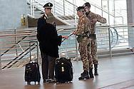 Roma  23 Maggio 2012.La nuova Stazione Tiburtina dell'alta velocità..Passeggera chiede informazioni alle Forze dell'ordine...