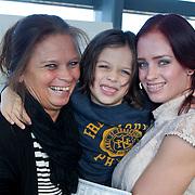 NLD/Rotterdam/20111116 - Presentatie Helden 11 magazine, Suzanne Harmes en zoon Lugano en haar moeder Marian