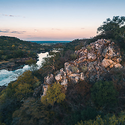 Rio Cubango ao final do dia, província de Cuando-Cubango, Angola