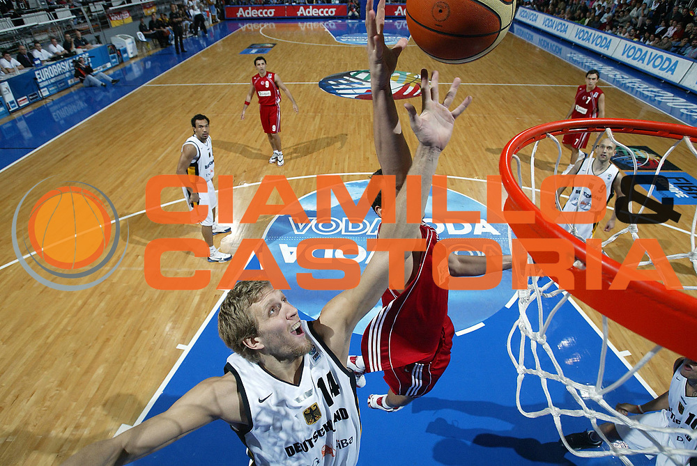 DESCRIZIONE : Vrsac Eurobasket Men 2005 Germania-Turchia<br /> GIOCATORE : Nowitzki<br /> SQUADRA : Germania Germany<br /> EVENTO : Eurobasket Men 2005 Campionati Europei Uomini 2005<br /> GARA : Germania Turchia Germany Turkey<br /> DATA : 20/09/2005<br /> CATEGORIA :<br /> SPORT : Pallacanestro<br /> AUTORE : Ciamillo&amp;Castoria/Fiba Europe Pool
