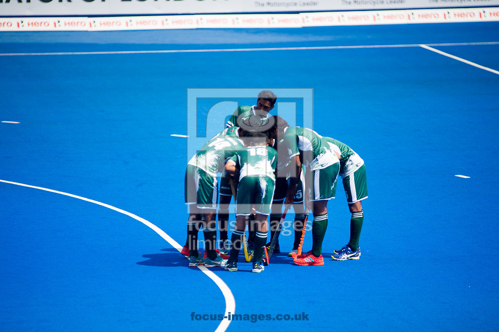 Pakistan having a team talk on day four of the Men's Hero Hockey World League Semi-Finals at Lee Valley Hockey Centre, Stratford<br /> Picture by Hannah Fountain/Focus Images Ltd 07814482222<br /> 18/06/2017