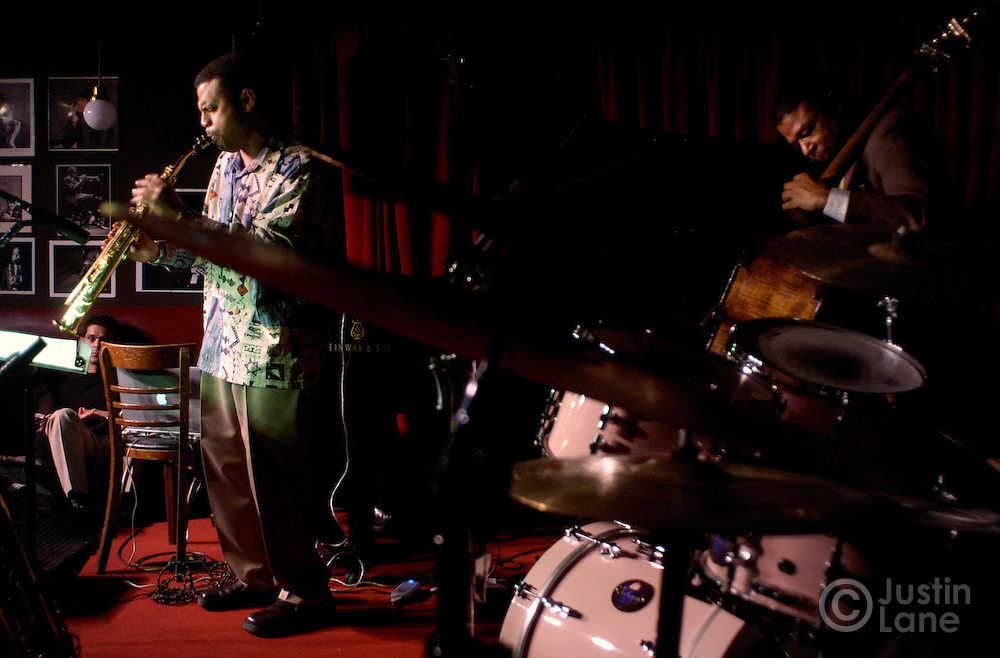 Steven Willams, saxophone, and Buster Williams (R) of the Buster Williams quartet perform on 10 February 2005 at the Village Vanguard in New York.<br /> JUSTIN LANE FOR THE DETROIT FREE PRESS