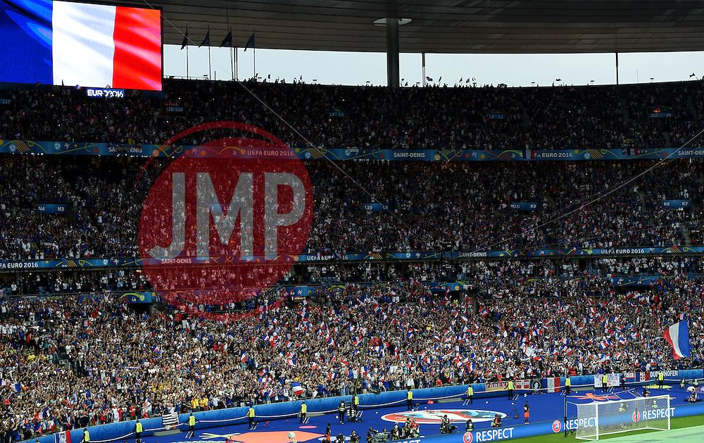 France fans sing the national anthem  - Mandatory by-line: Joe Meredith/JMP - 10/06/2016 - FOOTBALL - Stade de France - Paris, France - France v Romania - UEFA European Championship Group A