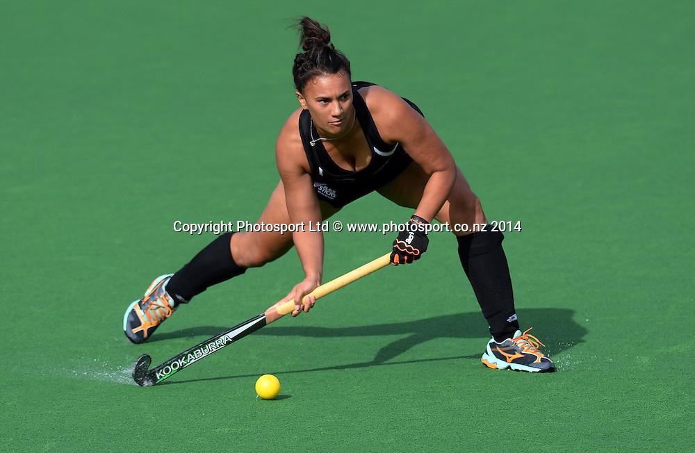 Rhiannon Dennison in action. International Womens Hockey. New Zealand Black Sticks v Korea. Auckland. New Zealand. Saturday 29 March 2014. Photo: Andrew Cornaga / www.photosport.co.nz