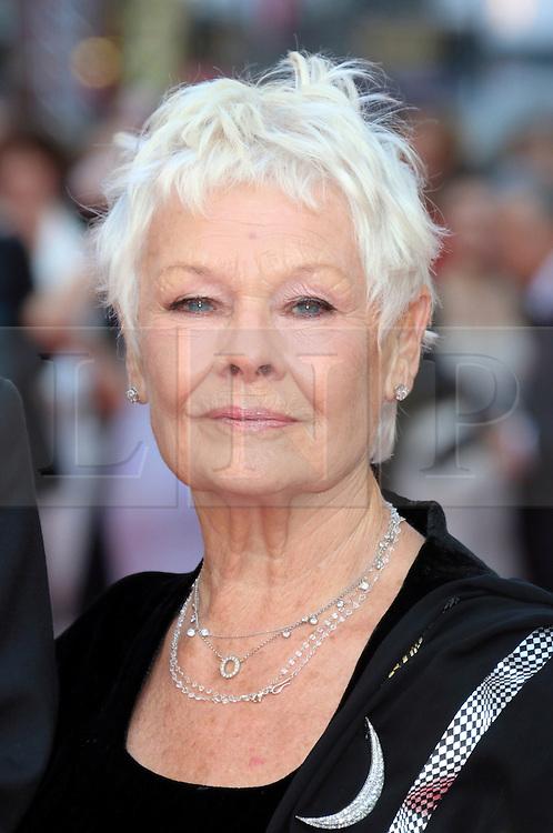 © Licensed to London News Pictures. 13/04/2014, UK. Judi Dench, The Laurence Olivier Awards, Royal Opera House, London UK, 13 April 2014. Photo credit : Richard Goldschmidt/Piqtured/LNP