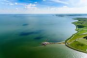 Nederland, Noord-Holland, Gemeente Waterland, 13-06-2017; het voormalig eiland Marken, nu met een dam verbonden met Waterland. Het omliggende water is het Markermeer (IJsselmeer, Zuiderzee). Vuurtoren Het Paard.<br /> The former island of Marken, now connected with a causeway (dam) to the mainland. <br /> luchtfoto (toeslag op standaard tarieven);<br /> aerial photo (additional fee required);<br /> copyright foto/photo Siebe Swart