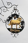 Gasthausschild Zum Lamm, Eberbach, Neckar, Odenwald, Naturpark Bergstraße-Odenwald, Baden-Württemberg, Deutschland | pub sign, Eberbach, Neckar, Odenwald, Baden-Wuerttemberg, Germany