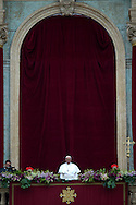 Vaican City 05/04/2015, the pope gives Urbi et Orbi blessing. In the picture pope Francis - ©PIERPAOLO SCAVUZZO