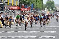 CYCLING - TOUR DE FRANCE 2010 - PARIS (FRA) - 25/07/2010 - PHOTO : VINCENT CURUTCHET / DPPI - <br /> STAGE 20 - LONGJUMEAU > PARIS CHAMPS ELYSEES - MARK CAVENDISH (GBR) / TEAM HTC-COLUMBIA / WINNER